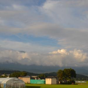 鳥海山と空と雲