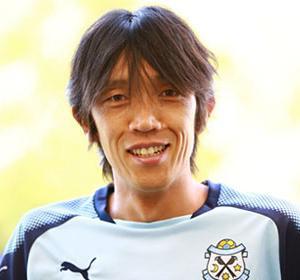 """「自信を失った」中村俊輔がJリーグと海外サッカーの""""大きな違い""""を英紙に語る「奇妙な気分だった」"""