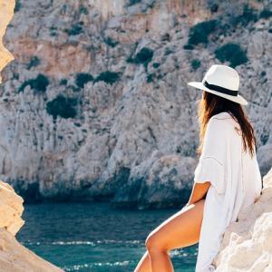 体型カバー水着人気ランキング ぽっこりお腹が目立たない大人女子水着のおすすめは?