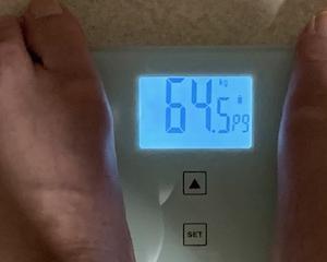 64,5kg 変わらず