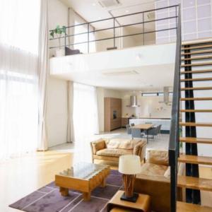 【一条工務店】リビング階段リビング吹き抜けにしたら家中に音が響きそうだけどどう?