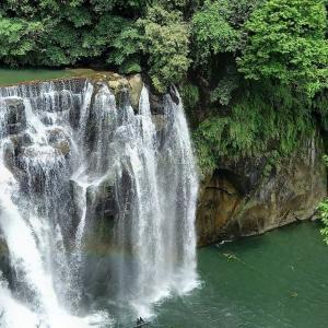[台北日帰り旅] 十分滝(平溪)&深坑臭豆腐(しゅうどうふ)食べまくる旅