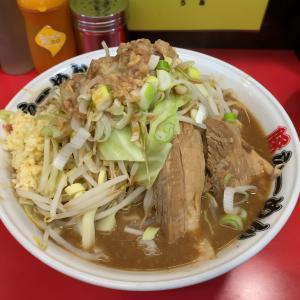 [豚ラーメン 板橋駅前店] こってこてなスープが特徴の二郎インスパイア系を駅から2分の場所で食う!!
