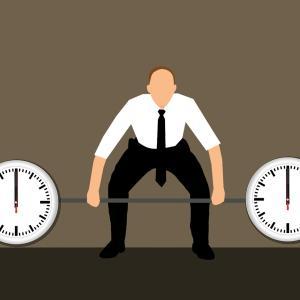 2時間残業が毎日続くのは異常?平均と残業代から判断してみた。