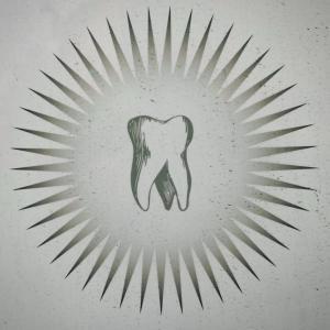 【体験談】虫歯予防のクリーニング患者目線で徹底解説!インビザラインの歯の着色も取れた!