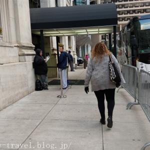 フィラデルフィア旅行記3 【NBA現地観戦】ラプターズのホテル出待ちチャレンジでサインをゲット!