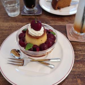 『Cafe Lisette』二子玉川店 旬のフルーツを頂くプリン・ア・ラ・モード