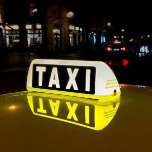 【海外出張の英会話も安心!】タクシーで使える英語表現・フレーズ