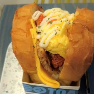 南京三民駅グルメ|台中発!吐司男|ふわふわトーストでたっぷり具材を包み込んだ絶品のサンドイッチ