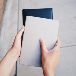 【思い出ノート】2冊目。小さな思い出のカケラが一冊の素敵なノートになります♩