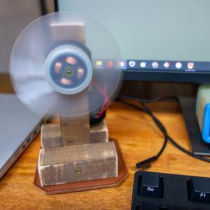 古い卓上扇風機をチープ改良