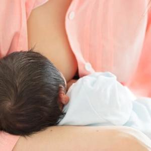 母乳の悩みといえば「出が悪い」だと思ってた…私が予想外に苦労したこと