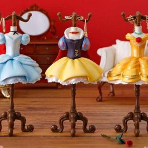 ディズニープリンセスドレスデザインのジュエリースタンドがガシャポンに登場