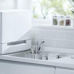 狭いキッチンのシンク横に置ける「スリム食洗機」パナソニックから新発売