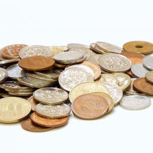 釣銭の硬貨を貯めている人へ ゆうちょ銀行で手数料がかかるようになります