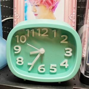 MYデスクのために、ダイソーで買った可愛い時計