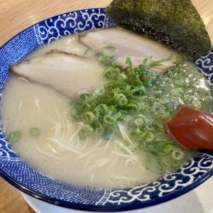 『博多ラーメン 鶴亀堂 津嘉山店』で博多塩とんこつ、肉なしとんこつ、替え玉してきた!