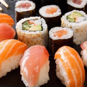 海外の質問『日本人は普段なに食べてるの?やっぱ寿司?』