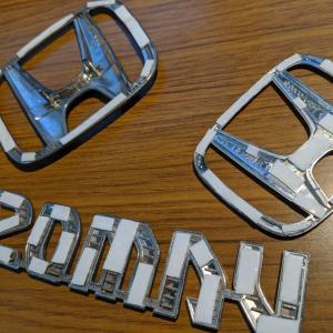 DIY(ローラーと刷毛)で車を全塗装「4」エンブレムのアイアン塗装(番外編)
