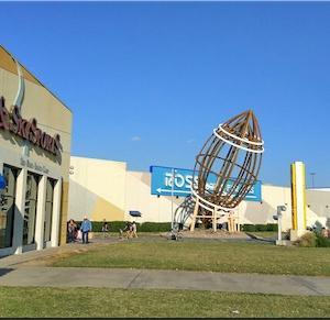 ダラス空港から近いアウトレットGrapevine Mills Mall
