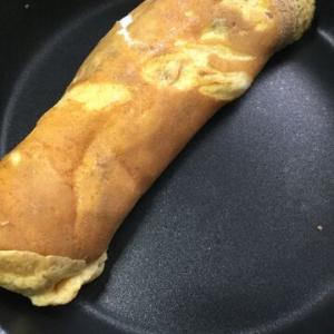 「塩味お煎餅入り卵焼き」お煎餅が肉に変身した感じ!