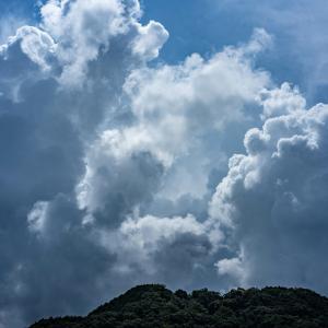 入道雲と雷雨