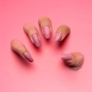 爪の噛み癖を治す方法(実体験を基に)