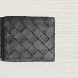 【レビュー】Bottega Veneta(ボッテガ・ヴェネタ)の二つ折り財布(マネークリップ)を使った感想