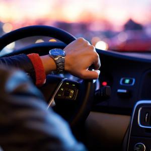 医学生運転免許証を取るべきタイミングと習得方法