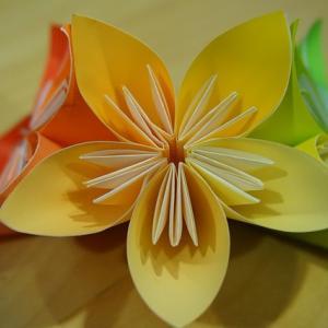 一人手芸部☆100均の折り紙で本格的なフラワーアレンジに挑戦!