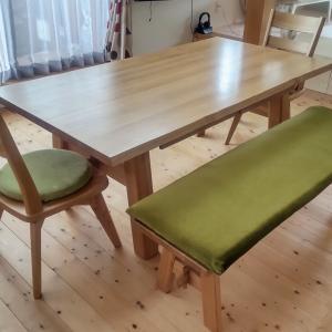 ダイニングテーブルのベンチにクッションを作る