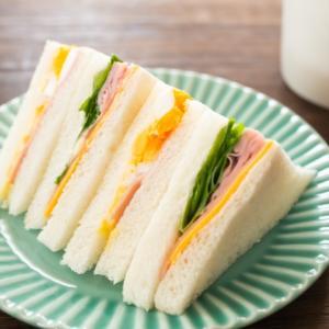 サンドイッチが作った翌日パサパサになるのを防ぐ簡単な方法