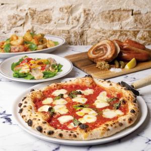 ピッツアが自慢の人気イタリアン「ナポリの下町食堂 川崎店」新食感のシュークリーム「アラゴスタ」も販売中!