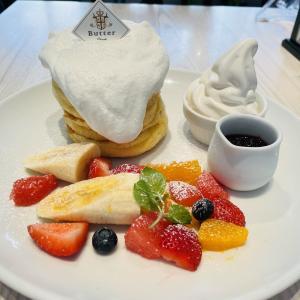 パンケーキ専門店「Butter 横浜ベイクォーター」で人気のふわふわパンケーキ