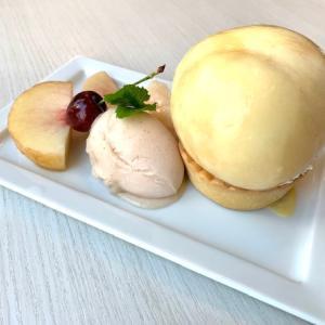 フルーツパーラーの桃パフェと桃タルト  ♫
