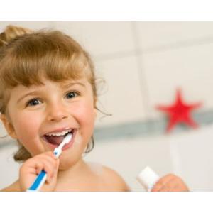 【初めての歯医者さんデビュー!】何歳から?フッ素塗布って?当日の流れは?にお答えします!