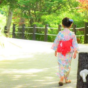 HATTASAN walking in a yukata