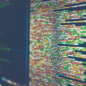 米国企業が「巨大な」サイバー攻撃を受ける BBC NEWS 速報です。