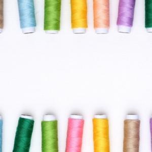 原着糸とは?メリット、デメリット、先染め糸との違いについて解説
