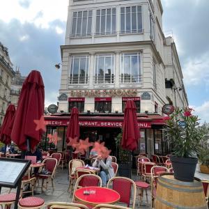 ムーランルージュから徒歩5分、パリの思い出にこのレストラン〜Pink Mama〜