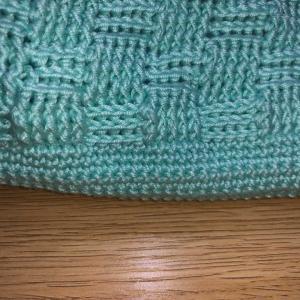 バッグ編み始めました。