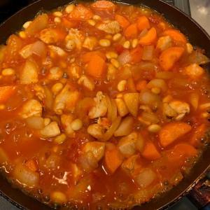 鶏肉と豆のトマト煮を作ってみた(レシピ)
