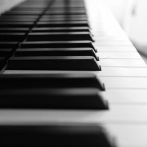 【チャ〜ンス】ピアノを習いたいけど、大人になってからじゃ遅い?