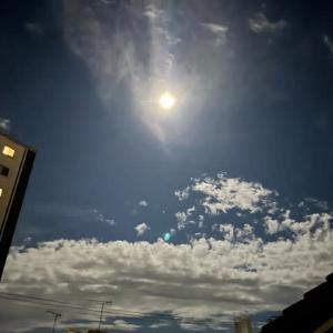 名月も雲に隠れて