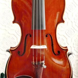 2021年一本目のバイオリンができました。