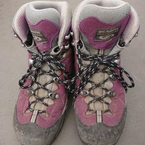たおやめ登山黎明期:甲薄やや幅狭足の登山初心者2足目登山靴選び