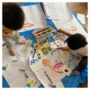 【絵の具遊び】お絵かき大好きな子どもがすぐに描き始められる収納