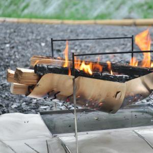 焚き火に必要な道具10選【初心者でも低予算でまずは始めよう】