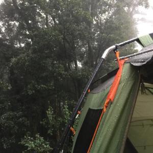 雨天時のテントの撤収方法について【mont-bell/ムーンライトの場合】