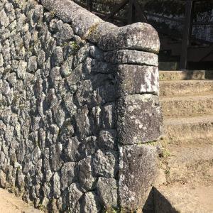 お城へ行こう・石垣の基礎知識【ちょっと変わった積み方】